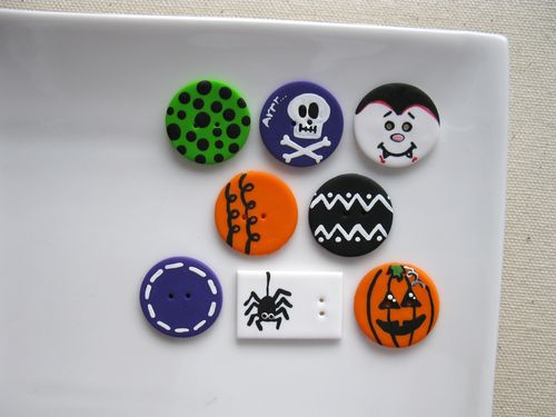Boutons 31 octobre - Buttons October 31st